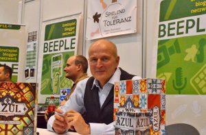 """Michael Kiesling: Autogrammstunde beim Blogger-Netzwerk """"Beeple"""""""